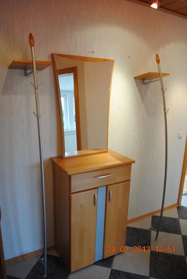 Kommode mit spiegel in neustadt garderobe flur keller for Garderobe mit kommode