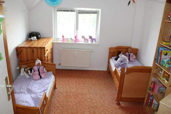 komplettes massivholz kinderzimmer mit 2 kinderbetten zwillinge in berlin kinder. Black Bedroom Furniture Sets. Home Design Ideas