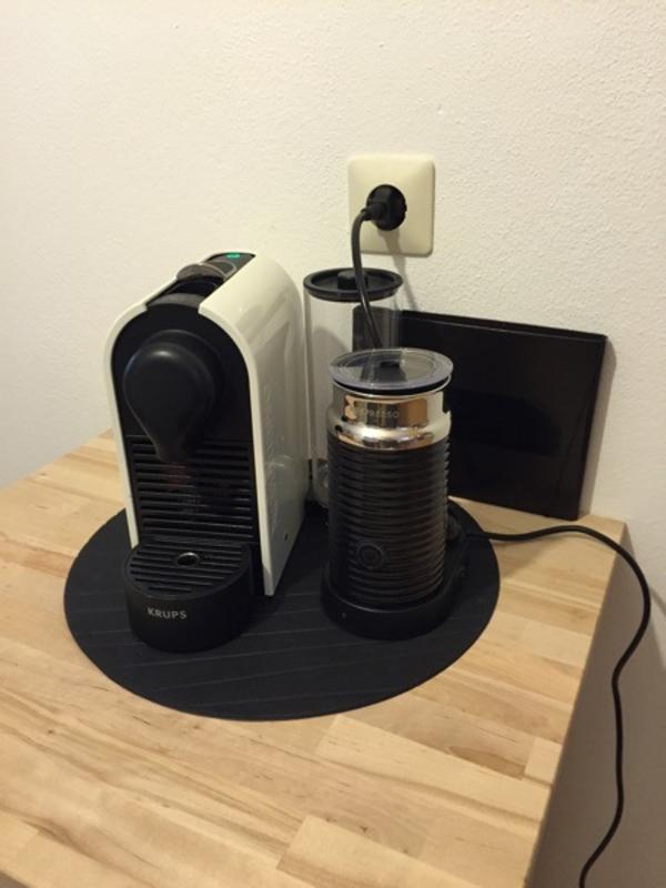krups nespresso u xn2501 kaffeemaschine inkl milchsch umer aeroccino in pfaffenhofen kaffee. Black Bedroom Furniture Sets. Home Design Ideas