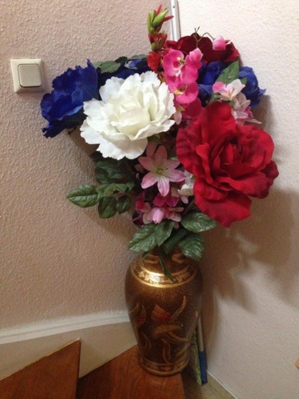 k nstliche pflanze mit vase in mannheim pflanzen kaufen und verkaufen ber private kleinanzeigen. Black Bedroom Furniture Sets. Home Design Ideas