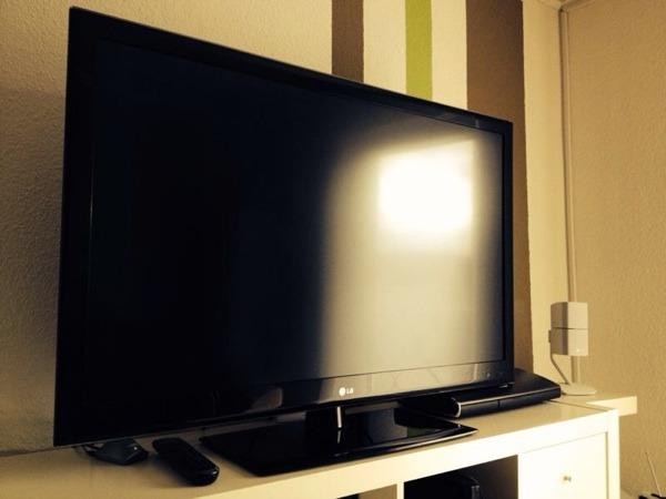 lg 47 zoll 119 cm led lcd fernseher in seeheim jugenheim. Black Bedroom Furniture Sets. Home Design Ideas