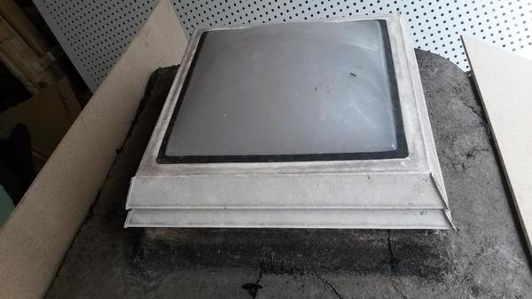 lichtkuppeln fenster kostenlos zur abholung in leutenbach biete kostenlos private kleinanzeigen. Black Bedroom Furniture Sets. Home Design Ideas