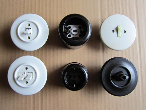steckdosen aus den 50er und 60er jahren in zwingenberg elektro heizungen. Black Bedroom Furniture Sets. Home Design Ideas