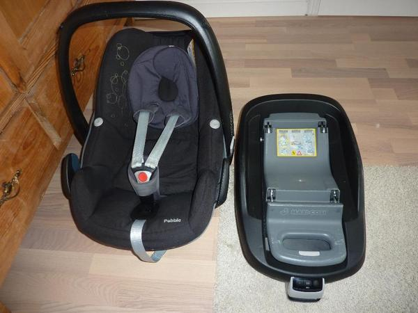 maxi cosi pebble isofix station in speyer autositze kaufen und verkaufen ber private. Black Bedroom Furniture Sets. Home Design Ideas