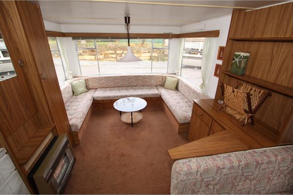bauwagen haus. Black Bedroom Furniture Sets. Home Design Ideas