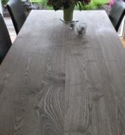 Moderner Tisch Massivholz