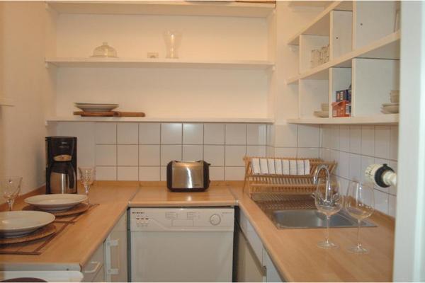 m bliertes 1 zimmer apartment am m hlenkamp in hamburg vermietung 1 zimmer wohnungen kaufen. Black Bedroom Furniture Sets. Home Design Ideas
