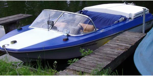 motorboot lotos i baujahr 1979 in berlin motorboote kaufen und verkaufen ber private. Black Bedroom Furniture Sets. Home Design Ideas