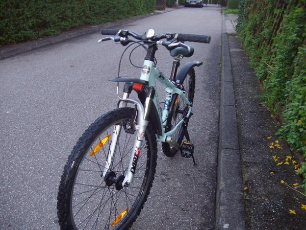 mountainbike trek 4500 kleiner rahmen f r ein m dchen. Black Bedroom Furniture Sets. Home Design Ideas