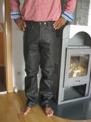 Nagelneue Biker-Jeans(