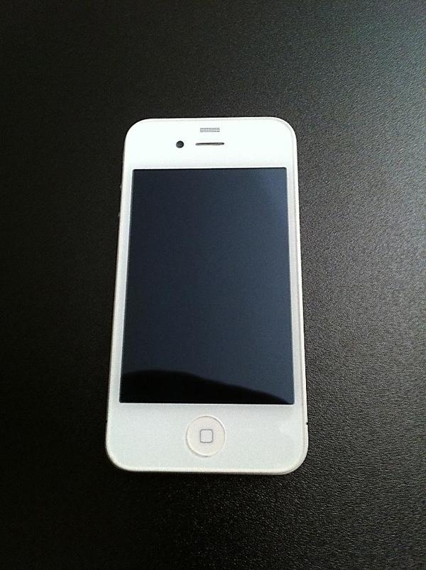 neues apple iphone 4s weiss 16gb ohne branding in m nchen. Black Bedroom Furniture Sets. Home Design Ideas