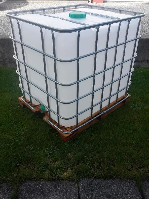 neuwertiger 1000 liter wassertank orginalfoto in dornbirn sonstiges material f r den. Black Bedroom Furniture Sets. Home Design Ideas