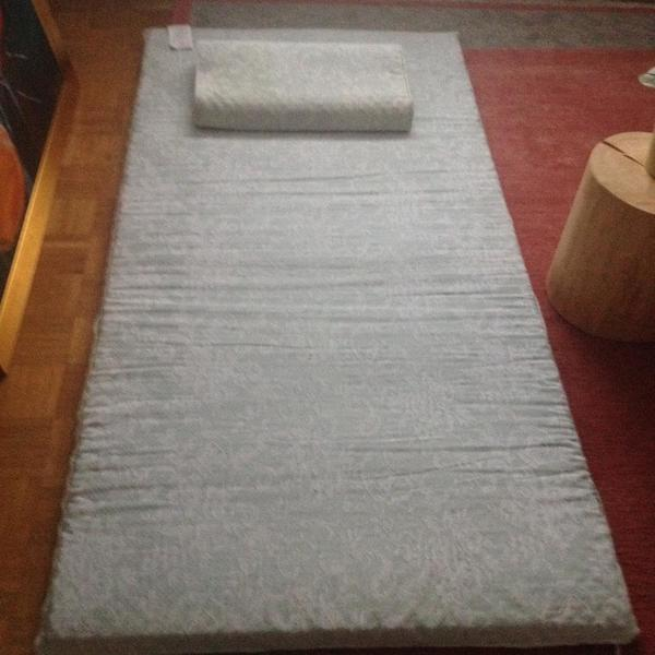 matratzenauflage gebraucht kaufen nur 3 st bis 70. Black Bedroom Furniture Sets. Home Design Ideas