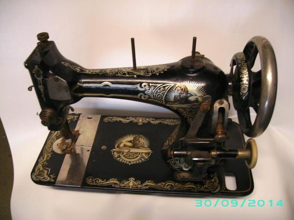 omas alte stoewer n hmaschine in gernsbach sonstige antiquit ten kaufen und verkaufen ber. Black Bedroom Furniture Sets. Home Design Ideas