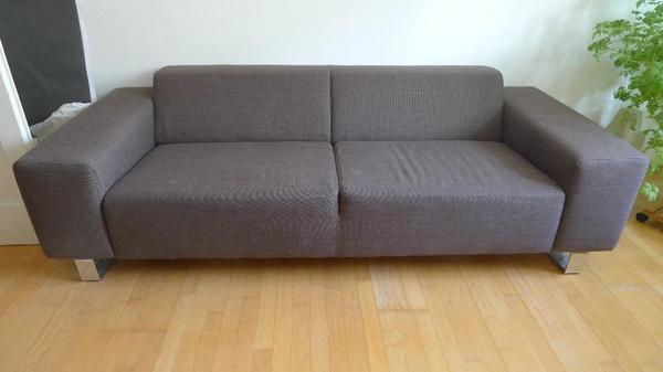 es handelt sich um eine original coconcept couch die 213cm breit und 90cm tief ist neupreis. Black Bedroom Furniture Sets. Home Design Ideas
