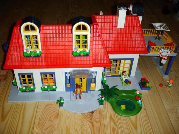 Playmobil haus 3965 komplett m bliert mega zubeh r in kiel kaufen und verkaufen ber private - Playmobil haus schlafzimmer ...
