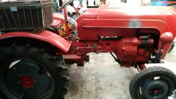 porsche junior traktor in ettlingen traktoren. Black Bedroom Furniture Sets. Home Design Ideas