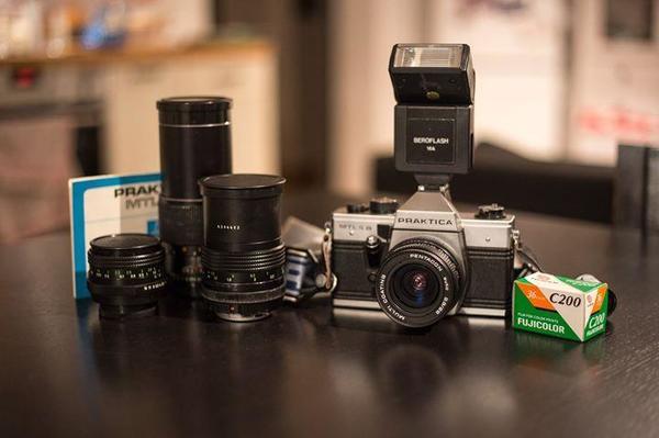 Gebraucht, Praktica MTL 5B Spiegelreflexkamera mit diversen Objektiven gebraucht kaufen  75334 Straubenhardt
