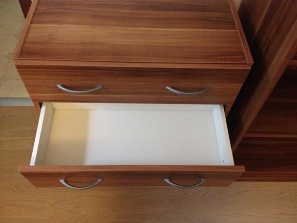 Ikea Schreibtisch Frederick ~ holz, braune Regale beide 1,97cm hoch und 34,5cm tief Eins 72cm lang