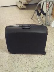 Reisekoffer aus Kunststoff