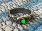 Ring ,XX - Ring mit H-idmung- /ca. 21mm Hallo !!! Hier wird ein ,,SILBERNER ,, Ehrenring der Schutzstaffel angeboten !!! Dieser Ring hat einen Innendurchmesser von ca.21 mm !!! Ich ... 40,- D-17192Waren Heute, 18:54 Uhr, Waren - Ring ,XX - Ring mit H-idmung- /ca. 21mm Hallo !!! Hier wird ein ,,SILBERNER ,, Ehrenring der Schutzstaffel angeboten !!! Dieser Ring hat einen Innendurchmesser von ca.21 mm !!! Ich