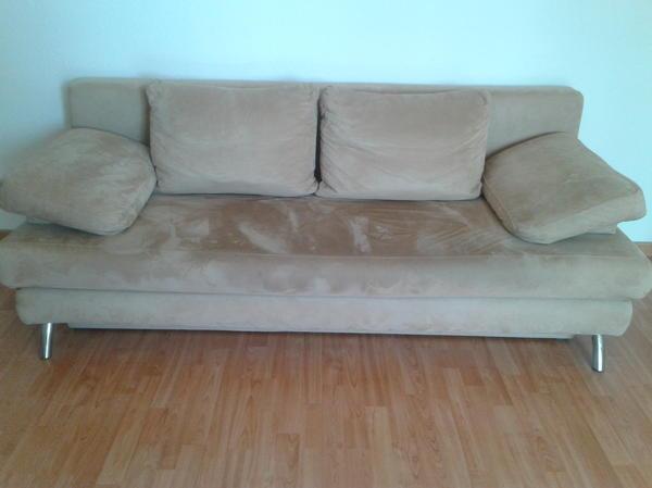 schlafcouch als doppelbett ausklappbar leicht defekt 2m x 2m mit stauraum f r bettw sche in. Black Bedroom Furniture Sets. Home Design Ideas