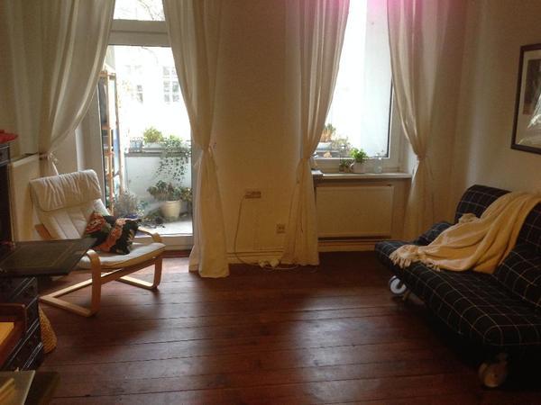 sch ne altbauwohnung mit ger umigem balkon in berlin vermietung 1 zimmer wohnungen kaufen und. Black Bedroom Furniture Sets. Home Design Ideas
