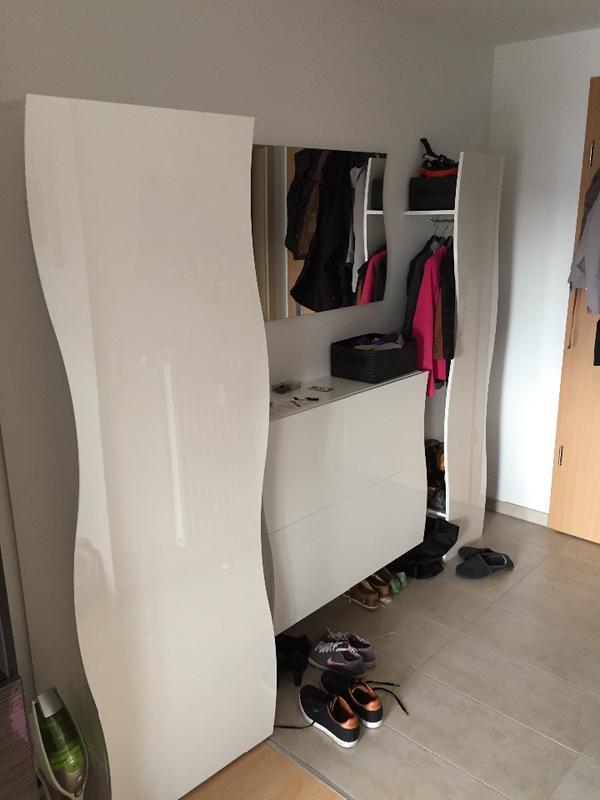 sch ne flurm bel garderobenm bel wei geschwungen in sindelfingen garderobe flur. Black Bedroom Furniture Sets. Home Design Ideas