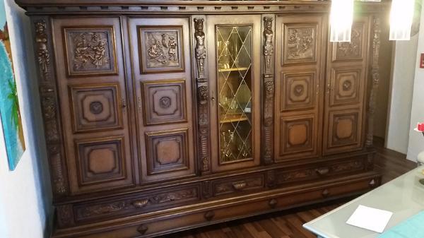 sch ner alter wohnzimmerschrank in saarbr cken. Black Bedroom Furniture Sets. Home Design Ideas