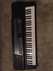 schönes Keyboard Hohner
