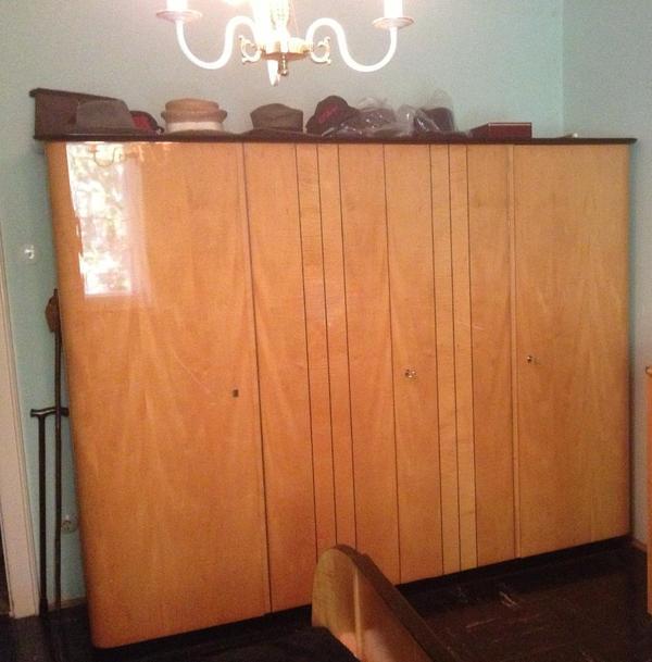 schrank kleiderschrank art deco schrank 4 t rig massivholz hochglanz klavierlack orig 50 iger. Black Bedroom Furniture Sets. Home Design Ideas
