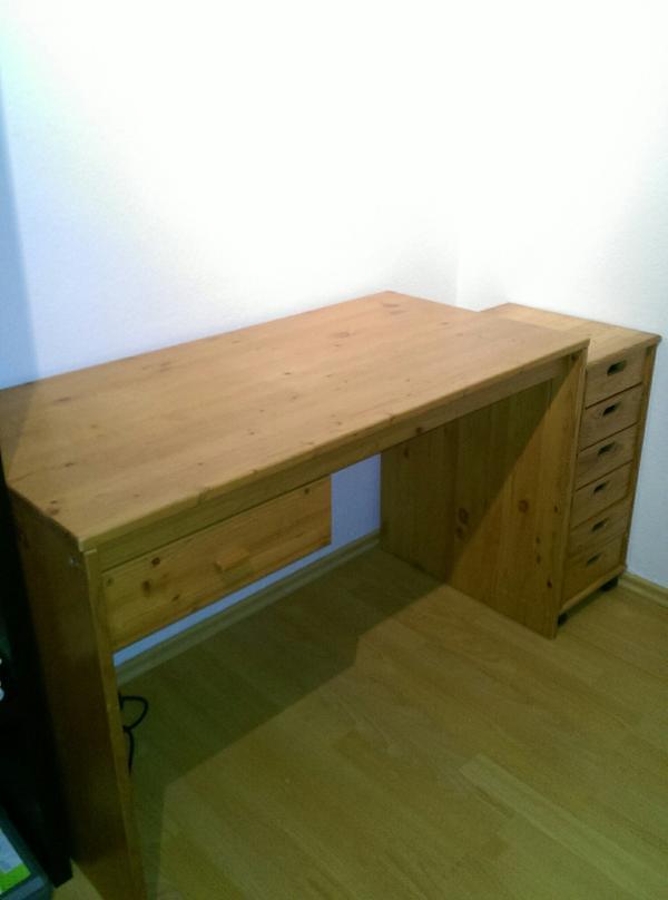 sehr gut erhaltener funktionstisch zu hannover computerm bel. Black Bedroom Furniture Sets. Home Design Ideas
