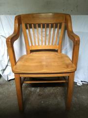 Schreibtischstuhl (desk chair)