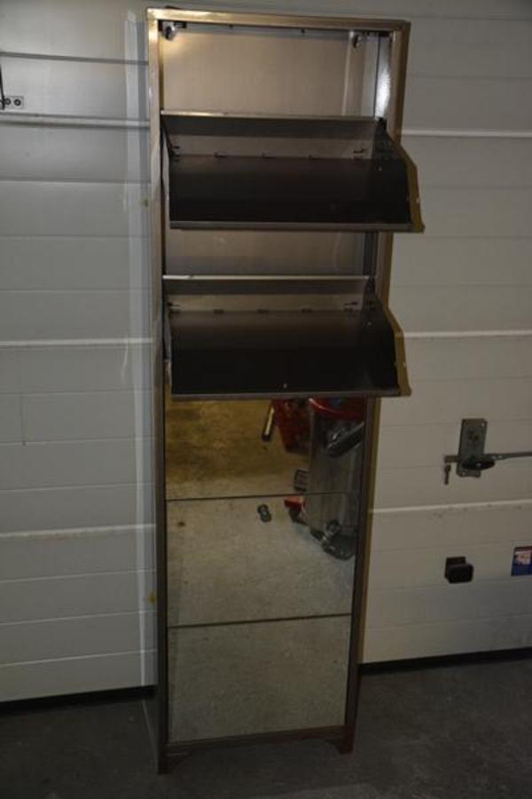 Verkaufe einen schuhschrank aus metall mit spiegeln hxbxt for Schuhschrank gebraucht