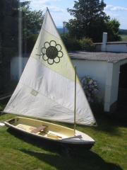 Segelboot - leichte Segeljolle