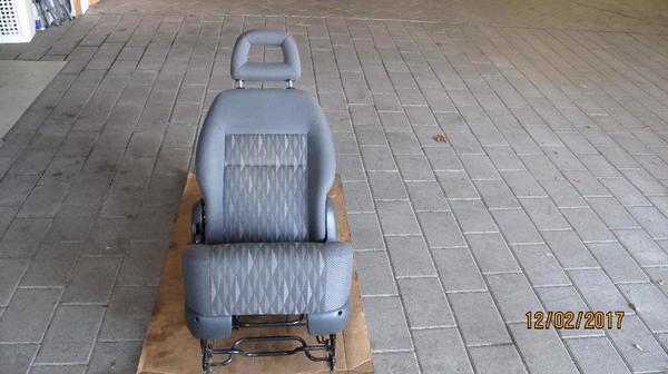 sharan sitz gebraucht kaufen nur noch 3 st bis 75. Black Bedroom Furniture Sets. Home Design Ideas