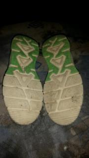 Sommer Sandalen für Jungs Gr. 33 Ich verkaufe 1 Paar Sommer Sandalen für Jungs in der Größe 33. Die Schuhe sind Gebraucht aber in ... 10,- D-42719Solingen Wald Heute, 21:45 Uhr, Solingen Wald - Sommer Sandalen für Jungs Gr. 33 Ich verkaufe 1 Paar Sommer Sandalen für Jungs in der Größe 33. Die Schuhe sind Gebraucht aber in