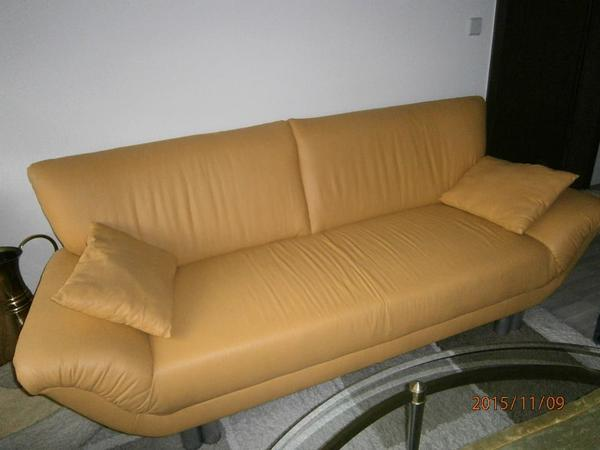 stylische gelbe 3 sitzer couch in niefern schelbronn. Black Bedroom Furniture Sets. Home Design Ideas