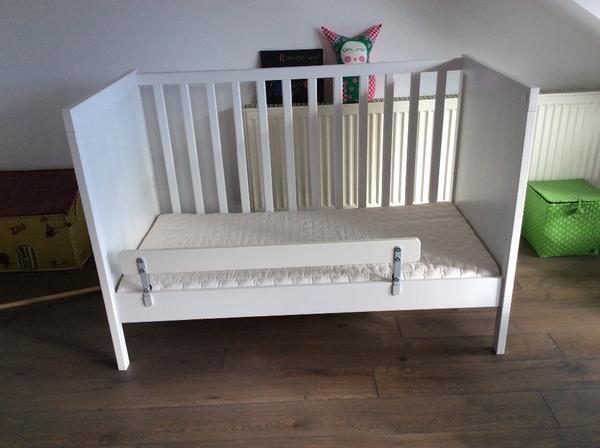 Unterschrank Für Eckspüle Ikea ~ Verkaufen gut erhaltenes Kinderbett Sundvik in weiß von Ikea