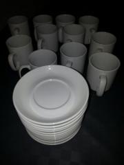 Tassen mit Unterteller