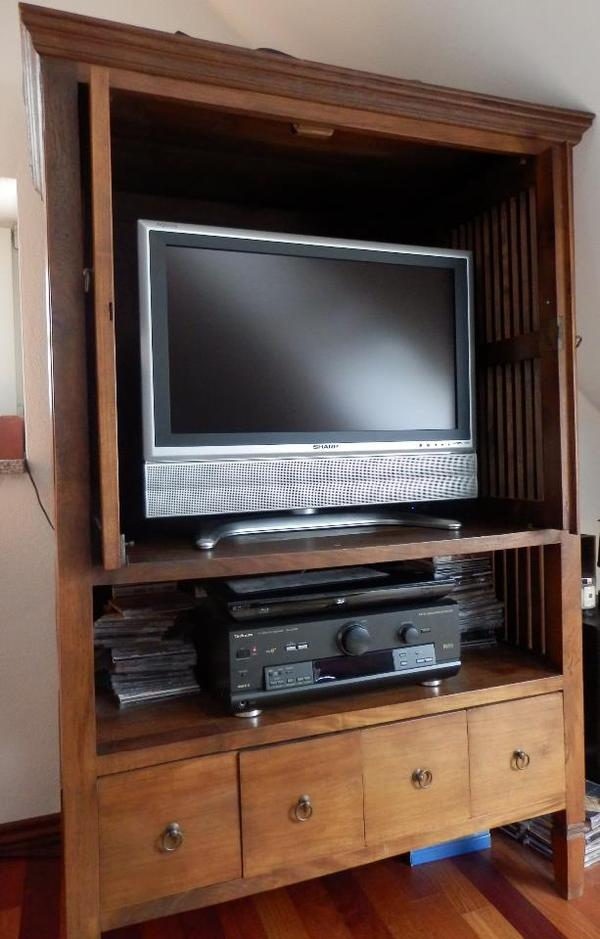 tv schrank versenkbaren t ren m bel design idee f r sie. Black Bedroom Furniture Sets. Home Design Ideas