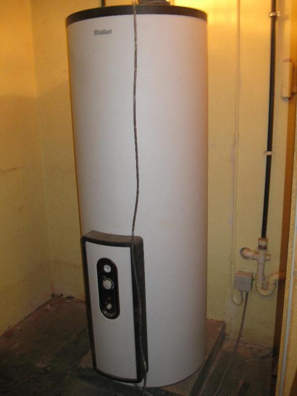 elektro warmwasserspeicher elektro warmwasserspeicher in verschiedenen gr en f r elektro. Black Bedroom Furniture Sets. Home Design Ideas