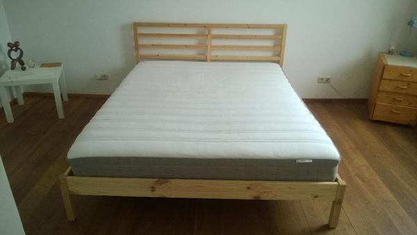 verkauf bett ikea 160 e in hervorragendem zustand bettrahmen 160 200 die matratze 160 200. Black Bedroom Furniture Sets. Home Design Ideas