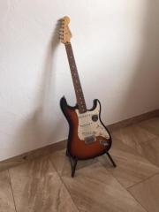 Verkaufe E-Gitarre Fender Stratocaster gebraucht kaufen  Alberschwende