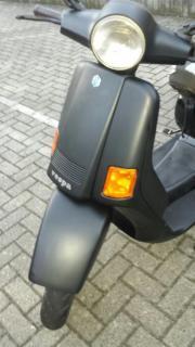 Vespa Roller 200