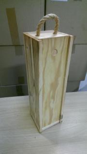 viele Holz-Geschenkkisten