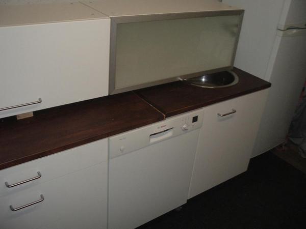 verkaufe wegen umzug sehr sch ne moderne hochwertige. Black Bedroom Furniture Sets. Home Design Ideas