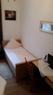 Zimmer mit Möbel