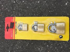 Türen, Zargen, Tore, Alarmanlagen - 3er Set Vorhänge Schlösser OVP