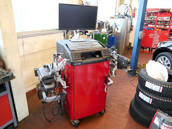 """Achsvermessungssystem Hunter HawkEye DSP506 m. Konsole S811 Messanlage Achsmesscomputer DSP500-Serie - Kandel - Achsvermessungssystem Hunter HawkEye DSP506Hersteller: Hunter Engineering Company, Bridgeton, Missouri, United StatesAnschaffungsdatum (Rechnung): 08.09.2014für alle Pkw- und lLkw von 10"""" - 24,5"""" RäderDas System besteht aus:- 4 optischen Messk"""